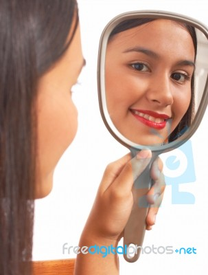 The Woman in the Mirror – EmpowerMoments